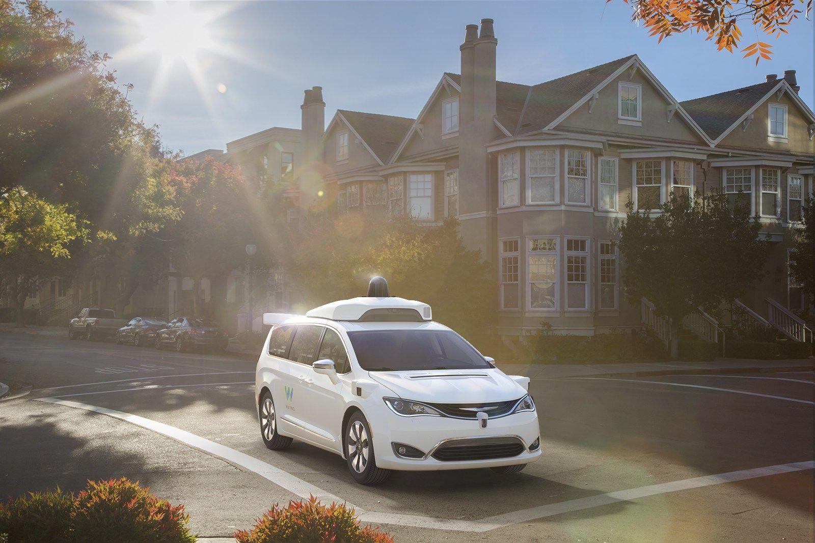 ورود خودروهای خودران Waymo به لسآنجلس + تصاویر