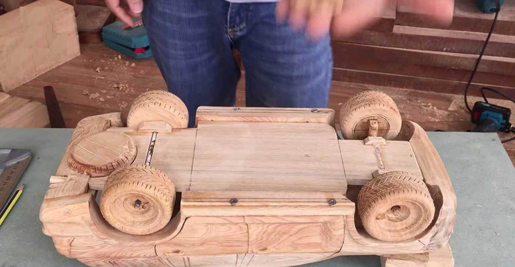 ساخت تویوتا لندکروزر فوقالعاده از جنس چوب! + فیلم